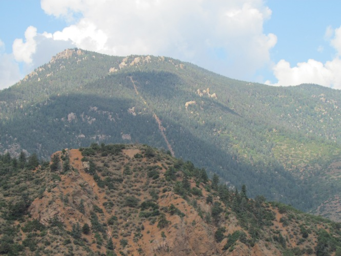 Incline scar on Mount Manitou, with Red Mountain in the foreground