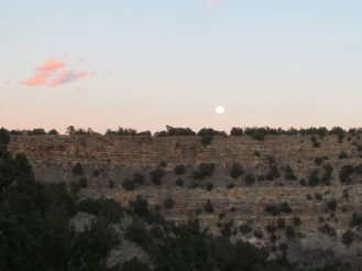 Moonrise over the sandstone cliffs