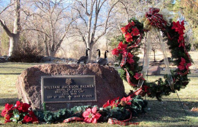 Canada Geese behind General Palmer's grave/Kanadagänse hinter dem Grab von General Palmer